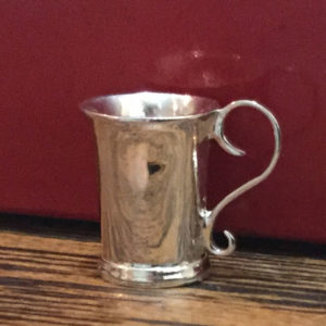 Scroll Cup
